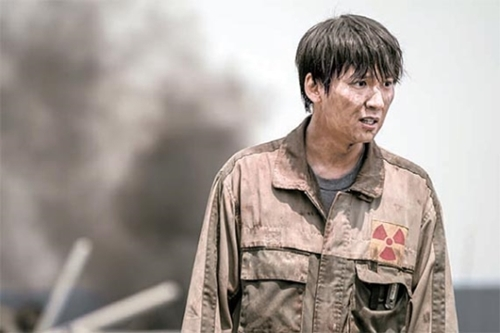 映画『パンドラ』で発電所の作業員役を演じたキム・ナムギル。