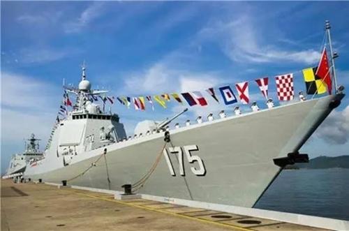 今年7月に就役した052D型ミサイル駆逐艦「銀川艦」