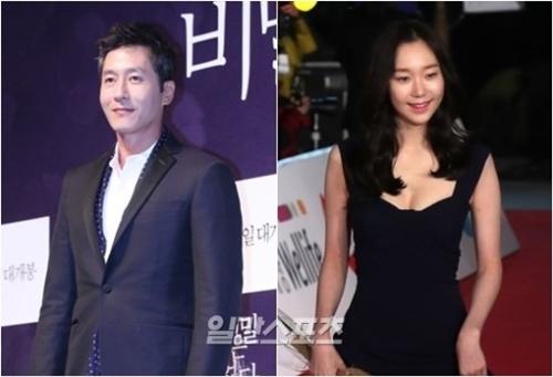 俳優キム・ジュヒョク(左)と女優のイ・ユヨン