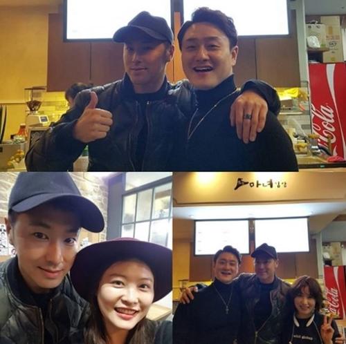休暇中にお笑い芸人キム・ウォンヒョのレストランを訪れたユノ・ユンホ。