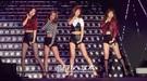30日、 京畿道光明市の光明Speedomで行われたSBSの「光明(クァンミョン)Speedomラブコンサート」で『Something』を熱唱しているGirl's Day。