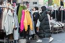 オーバーサイズ感を出すために、あえて大きめのメンズサイズを選ぶ女性も多いとか。全身を覆いつくすため、風が入り込む隙間も無く暖かそう。