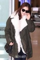 27日午前、新婚旅行を終えて帰国した女優キム・テヒ。