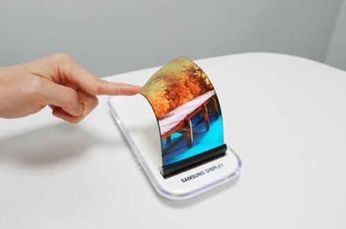 次世代スマートフォン(写真=サムスン電子)