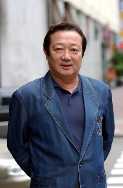 俳優ミヌク。