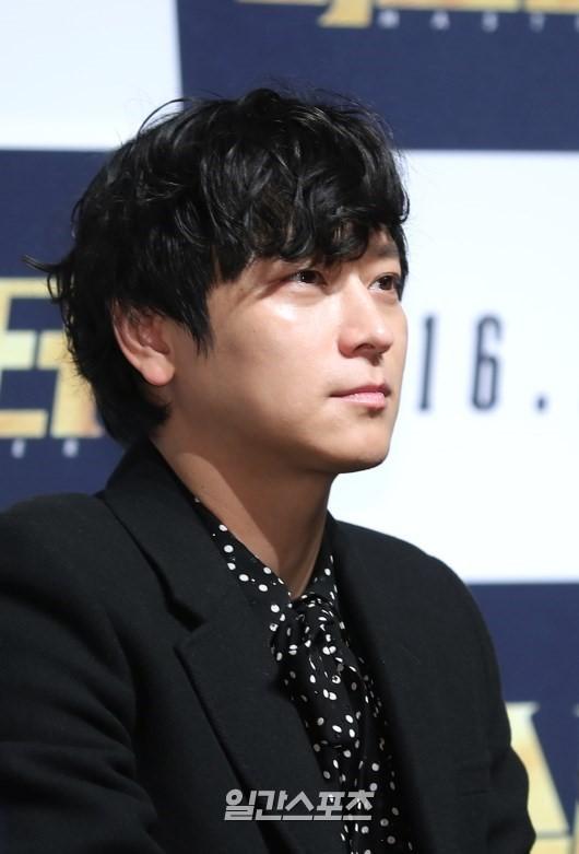 俳優のカン・ドンウォン