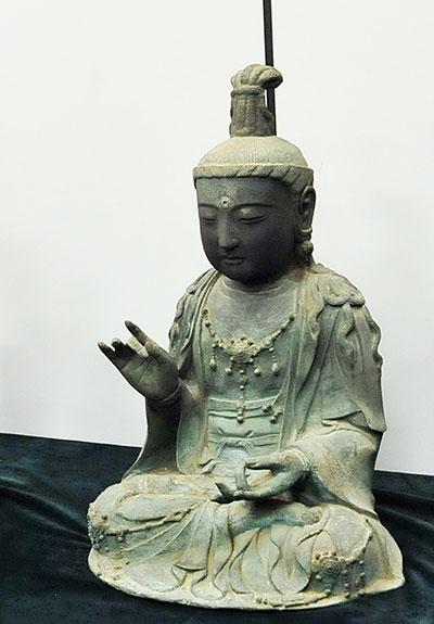 金銅観音菩薩座像