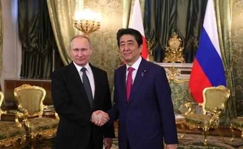26日、プーチン露大統領と安倍首相が首脳会談を行っている。(写真=president of russia,kremlin.ru公式サイト)