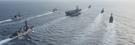 米太平洋司令部第3艦隊所属のニミッツ級航空母艦カール・ビンソン艦隊が先月28日(現地時間)、フィリピンの近隣海域で海上自衛隊駆逐艦と共同訓練を実施している。アーレイ・バーク級ミサイル駆逐艦1隻とタイコンデロガ級ミサイル巡洋艦1隻がこの日、カール・ビンソンを護衛した。(写真=米海軍)