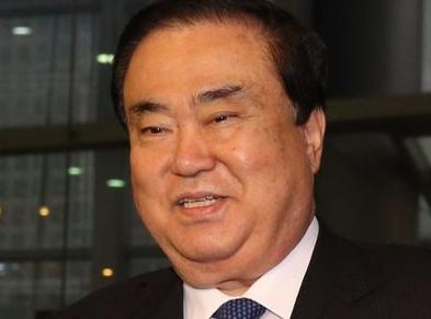 日本に特使として派遣される文喜相(ムン・ヒサン)元国会副議長