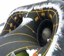 エンジン空気吸入口などに生じた結氷は航空機の性能と操縦能力を落としたりエンジンの故障を招く。(写真=防衛事業庁)