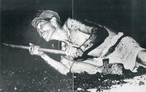 映像に使われた鉱夫の写真。写真の中の人物は強制徴用された朝鮮人ではなく日本人であることが確認された。(写真=中央フォト)
