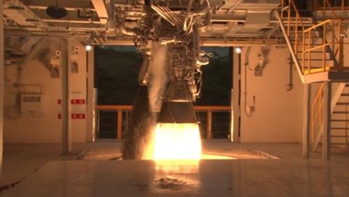 75トンエンジンの燃焼実験(写真=韓国航空宇宙研究院)