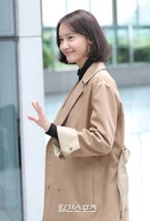 12日午後、第22回釜山国際映画祭に参加するため釜山駅に到着した少女時代のユナ。