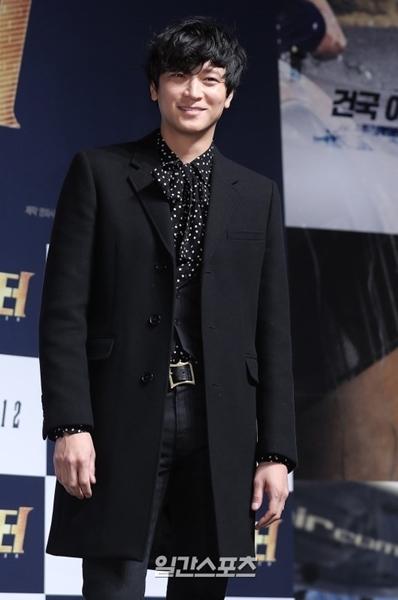 俳優カン・ドンウォン。
