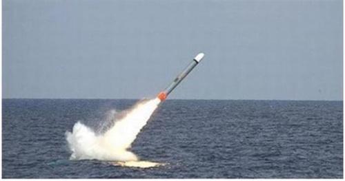 潜水艦から発射されるトマホークミサイル(写真=中央フォト)