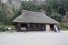 高麗神社の裏手にある高麗家住宅は約400年前に建てられたもので、高麗神社の宮司が代々暮らしている。