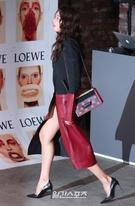 14日午後、ソウル広津区紫陽洞聖水洞のあるスタジオで行われたブランド「ロエベ(LOEWE)」のコレクションパーティーに参加したモデルのイ・ホジョン。
