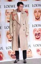 14日午後、ソウル広津区紫陽洞聖水洞のあるスタジオで行われたブランド「ロエベ(LOEWE)」のコレクションパーティーに参加した俳優のチョン・ウソン。