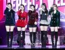 16日午後、ソウル江南区三成洞のSMTOWN@coexartiumで行われた2ndアルバム『Perfect Velvet』ショーケースイベントに登場したガールズグループのRed Velvet。