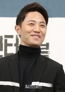 21日午後、ソウル江南区論硯洞のインペリアルパレスソウルで開かれたJTBCドラマ『アンタッチャブル』制作発表会に登場した俳優のチン・グ。