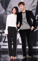 23日午後、ソウル麻浦区上岩洞のMBC新社屋で開かれた月火ドラマ『トゥー・カップス』制作発表会に登場した女優のイム・セミ(左)と俳優のキム・ソノ。