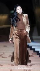 28日午後、ソウル東大門デザインプラザで行われたファッションブランドのフォトウォールイベントに参加したApinkのソン・ナウン。