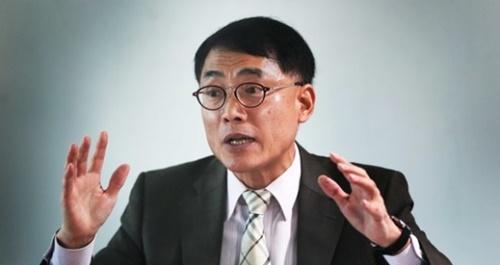 韓国老年学会の金根弘会長は「世界最高速の高齢化が生んだ世代間の葛藤と老人差別は韓国社会の共同体意識の回復運動で治癒できる」と強調した。