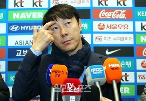 申台龍監督。