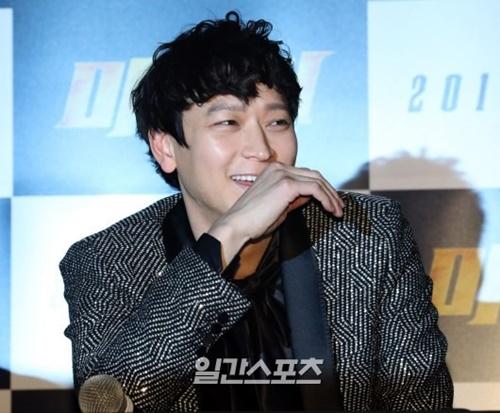韓国の俳優カン・ドンウォン