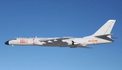 中国の爆撃機H-6(写真=中央フォト)