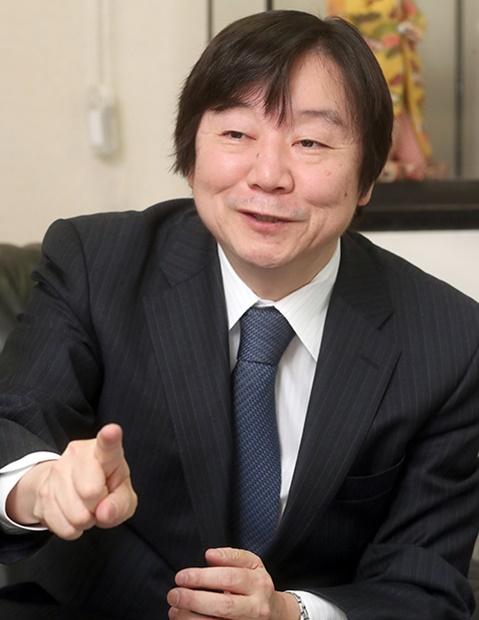 神谷万丈防衛大教授(56)