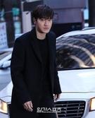 4日午後、ソウル汝矣島の飲食店で行われたドラマ『変革の愛』の打ち上げパーティーに出席したSUPER JUNIORのシウォン。