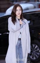 4日午後、ソウル汝矣島の飲食店で行われたドラマ『変革の愛』の打ち上げパーティーに出席した女優のカン・ソラ。