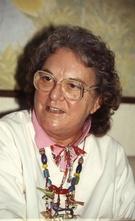 ジュリア夫人は離婚後にも本名「ジュリア・マロック」に戻らず一生を「ジュリア・リー」を使った。(写真=中央フォト)