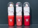 韓国女子に人気のCLUB CLIO系列ブランド「peripera(ペリペラ)」もクリスマス仕様が登場。人気の「ペリズ インク ベルベット」(11,000ウォン)はスノーボールの中で白熊が動き回る可愛らしい見た目。冬のワンポイントとなる明るいレッドカラーが揃っています。