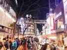 連日氷点下の寒さが続きますが、明洞(ミョンドン)の屋台通りは、相変わらず多くの人で賑わっています。韓国旅行中に食べてみたい、人気の屋台グルメを見てみましょう!
