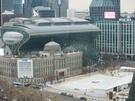 ソウル市庁前のスケートリンクはソウルの冬の風物詩。明日、2年ぶりにオープンします。昨年は朴前大統領の退陣を要求するデモ、いわゆる「ろうそく集会」のためにスケートリンクが設置されませんでした。