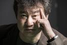 北核危機を題材に2冊の長編小説『米中戦争』を出版した小説家、金辰明さん。戦争寸前まで達している韓半島(朝鮮半島)の状況を迫力のある流れで描いた。