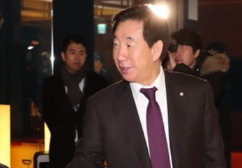 自由韓国党の金聖泰院内代表。