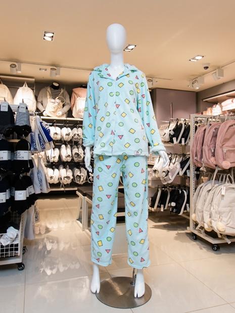 今韓国の若者の間で大流行中なのが、この幾何学模様のパジャマ。それにしてもこの柄、どこかで見覚えありませんか?