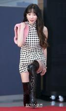 11日午後、京畿道高陽市の韓国国際展示場(KINTEX)第1展示場で開催された「第32回ゴールデンディスク音盤部門」レッドカーペットイベントに参加している少女時代のテヨン。