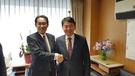 26日、岸田文雄政調会長と元喜龍済州知事が岸田政調会長の事務室で面会した。(写真=元喜龍知事側提供)