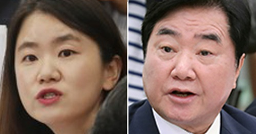 自由韓国党の申普羅院内報道官(左)と共に民主党の李錫玄議員(右)。(写真=中央フォト)