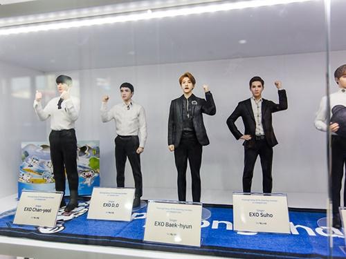オリンピックに出場する選手や、人気K-POPスターのフィギュアも飾られており、韓流ファンも必見です。