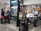 1階にはYGエンターテイメントの公式グッズショップ「YG PLACE」も入店しています。