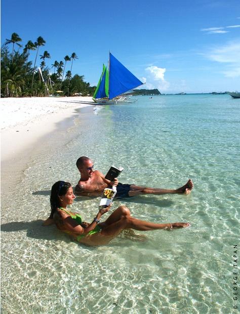 フィリピンのボラカイ島のビーチ(写真=フィリピン観光庁)