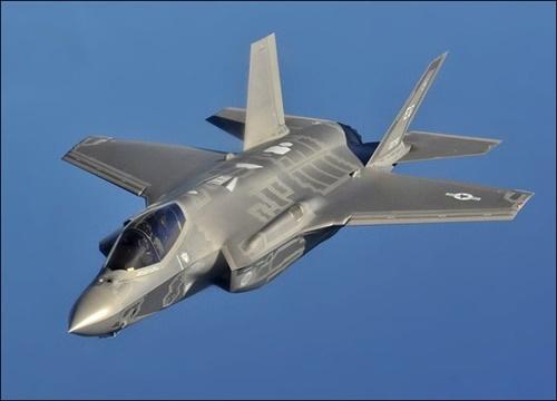韓国が導入中のステルス戦闘機F-35AライトニングII(写真=米空軍)