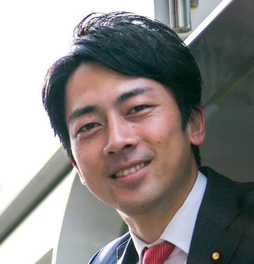 日本政界の若きスターと呼ばれている小泉進次郎議員。(写真=フェイスブック写真)