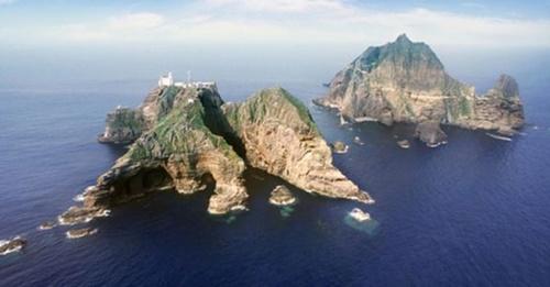 日本が30日、高校生を対象にした学習指導要領で「竹島は日本の領土」という教育を義務付けた。政府は駐韓日本大使を招致するなど強力に抗議した。(写真=中央フォト)